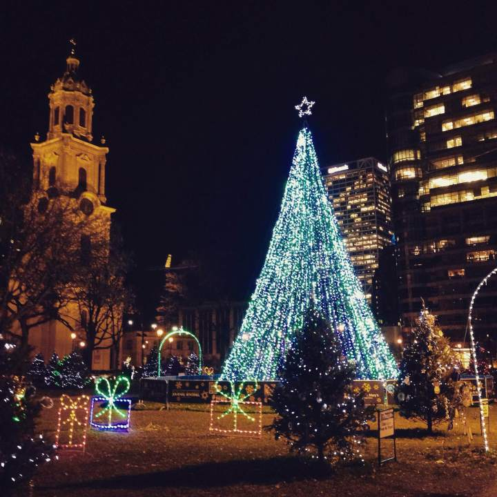 Christmastime (Running) in the City // Run. Crave. Conquer. blog
