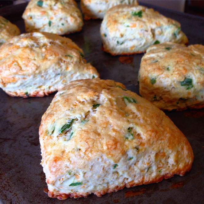 Cheddar-Chive Scones // Run. Crave. Conquer. blog