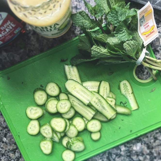Cucumber, lime & mint popsicles // Run. Crave. Conquer. blog